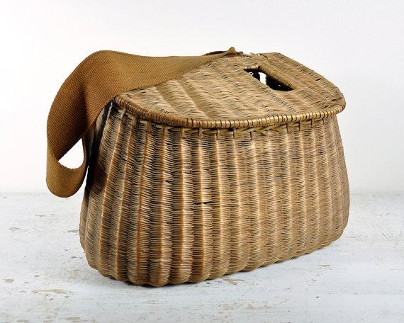 Vintage fishing creel basket vintage fishing and for Fly fishing creel