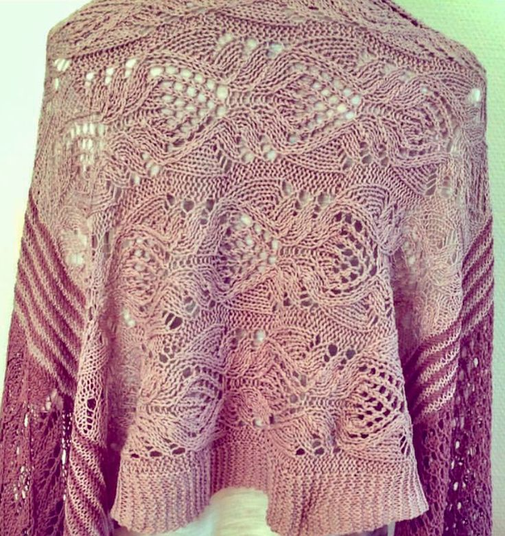 Adventure Shawl by Helle Slente Design | ravelry knitting pattern | lace