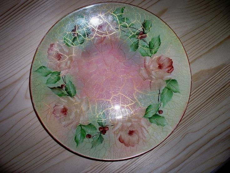 Piatto in vetro con craquelé e fiori