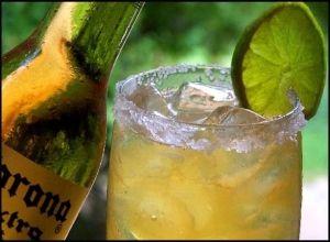 """Aunque la Michelada """"oficial"""" es de origen Mexicano, en Chile se ha convertido en un trago muy popular al adicionarle nuestro tradicional merkén."""