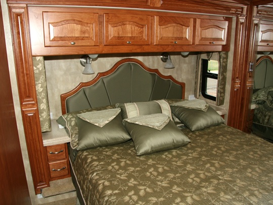 Best Rv Bedroom With Storage Built Around The Headboard And 400 x 300