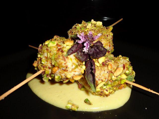 In cucina con samax: Rotolini di pesce spada in crosta di pistacchi su crema di patate allo zafferano