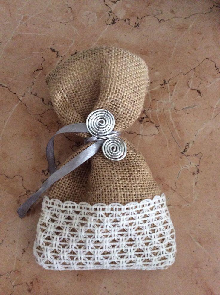 Spacchettino per confetti realizzato da Vilma  Milano