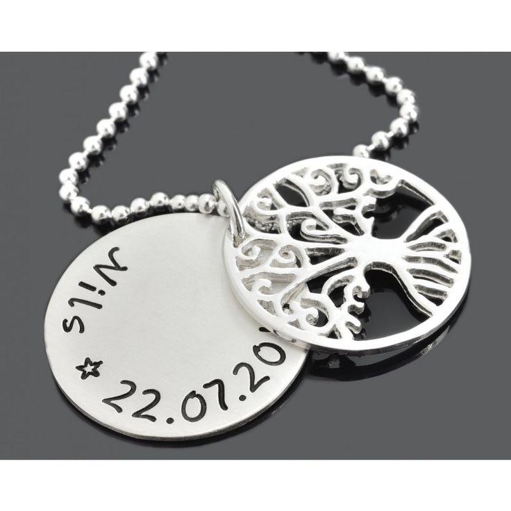 Silberschmuck Online Juwelier - Eine schöne personalisierte Lebensbaum Kette mit Ihren Namen oder Wunschtext.