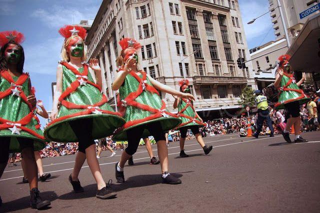 New Zealand's (Auckland) Santa Parade 2012