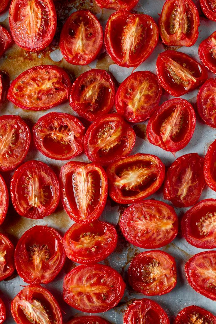 Slow Roasted Tomatoes / Rikki Snyder Photography