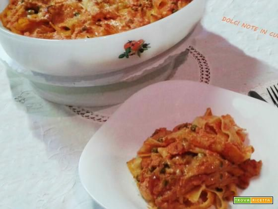 Pappardelle al forno con salsa di pomodoro e piselli  #ricette #food #recipes