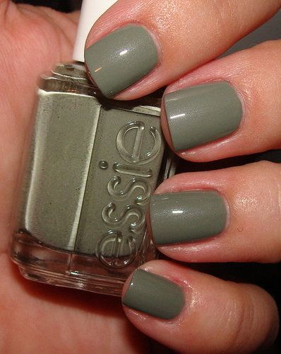 Essie | Sew Psyched: Essie Sewing Psych, Nails Essie, Bedrooms Ate, Nails Colors, Nail Colors, Green Essie Nails Polish, Sewing Psyched, Favorite Nails, Forests Green Nails