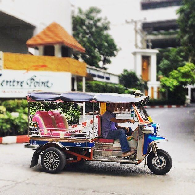 Hop aboard a tuk-tuk when in Bangkok and experience how drivers of these engine-powered rickshaws beat road congestion by zipping in and out of lanes and going head-on against traffic, while you sit back like a boss and grin smugly at vehicles stuck in the jam. ⠀ Except the smoke you're inhaling won't be from a cigar but from exhaust pipes of vehicles around you. What a ride! ;) ⠀ #KeepCalmAndJasTravel Bangkok, Thailand