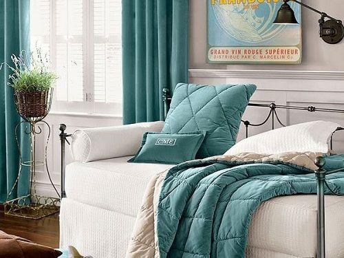 daybed coverlike the way it looks like upholstered furniture with a cozy duvet for sleep