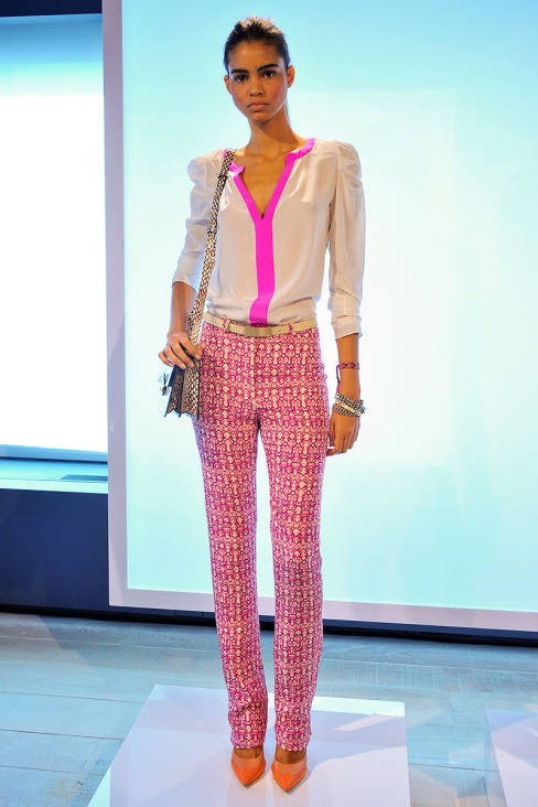 Ooooh, these pants are lovely! Rachel Roy Spring 2013 Ready-to-Wear Runway - Rachel Roy Ready-to-Wear Collection - ELLEPink Summer, Colors Trends, Summer Fashion, Spring Summer, Roy Spring, Rachel Roy, Pink Fashion, Rachelroy, Spring 2013