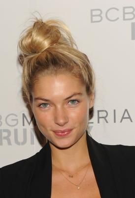 How to Do a Messy Bun With Shoulder-Length Hair