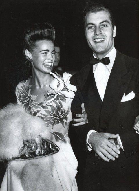 Gloria Vanderbilt. So elegant.