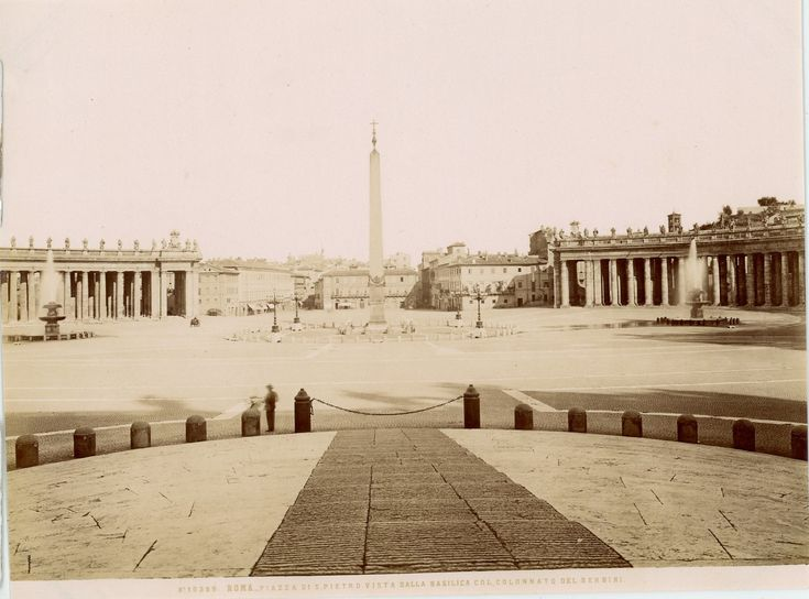 Roma, Piazza di S.Pietro Vista dalla Basilica Vintage Albumen Print Tirage albuminé 21x27 Circa 1875