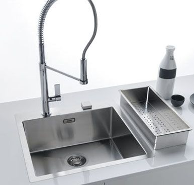Franke Planar 8 PEX 210-45 Stainless Steel Flushmount Sink The PEX 210-45 From Frankes Planar 8 range with its easy-to-clean 8mm radius corners provides the ultimate in contemporary urban looks. Not only do the clean, sharp lines make a bold design statement, they also result in a sink that is very practica