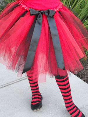 Puffy no sew tulle skirt...hmm halloween is coming