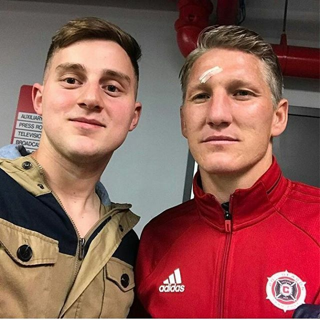 """239 Likes, 1 Comments - Dedicated to Fußballgott (@teambs7) on Instagram: """"Basti and a fan  #teambs7 @bastianschweinsteiger #cf97 #bastianschweinsteiger #schweinsteiger…"""""""