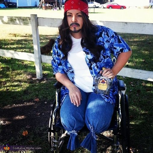 lieutenant dan halloween costume contest at