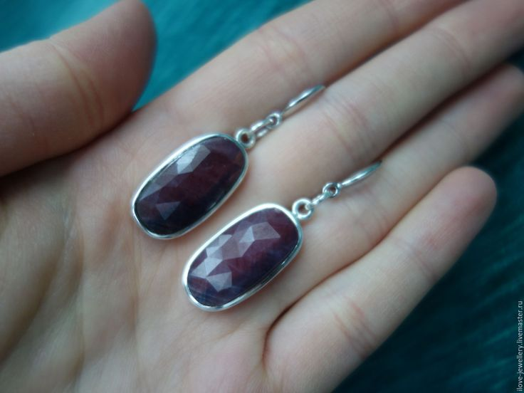 """Купить """"Ноеми""""-серебряные серьги с крупными рубинами (корунды) - бордовый, рубиновые серьги, серьги корунд"""