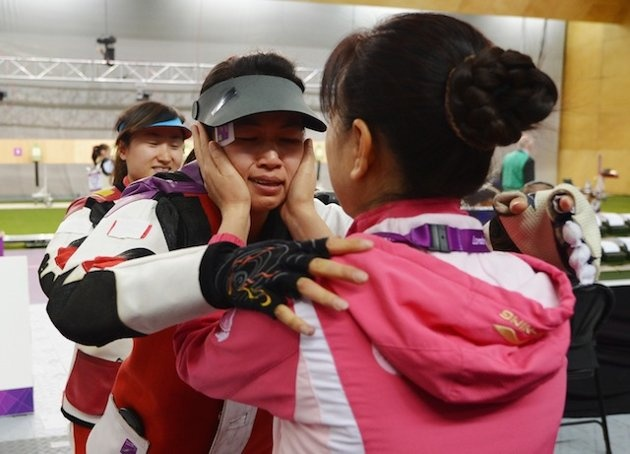 First Olympic gold medal awarded to Chinese shooter #Olympics #London2012 (Getty Images)
