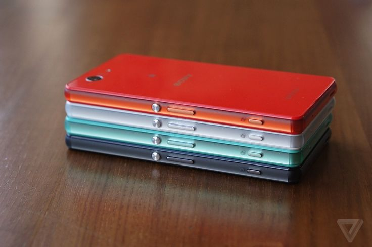 Hands-on with Sony's new Xperia Z3 Compact | The Verge