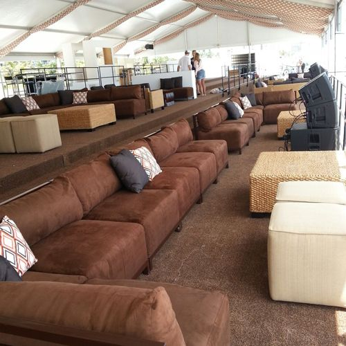 Comfortable seating for any kind of event at www.efd-furnishings.com
