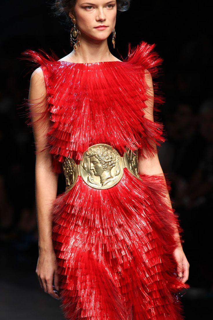 dolce & gabbana red detail | Fashion Victim's Diary