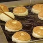 #fasting #primal Paczki Day is great day to be Polish  Smurawa says he's searched several diet plans and has never seen paczki listed, so he concludes with perfect Polish logic that paczki have zero calories. http://www.greenbaypressgazette.com/story/life/food/2016/02/07/paczki-day-great-day-polish/79693720/