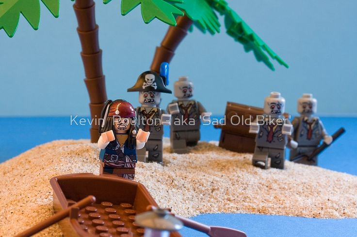 «Lego Captain Jack Sparrow and the wrong zombies» de Kevin  Poulton - aka 'Sad Old Biker'