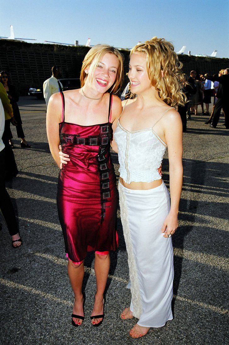 Pin for Later: The Most '90s-tastic Moments From the MTV Movie Awards Kate Hudson also posed with Amy Smart. At the 1999 MTV Movie Awards, Kate Hudson hung out with Felicity star Amy Smart, too.