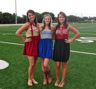 DIY gameday dresses! they look comfy!Football Seasons, Tshirt Dresses, Games Day Dresses, Texans Dresses, Cute Ideas, Rivers T-Shirt, The Games, Game Day Dresses, Lc Design