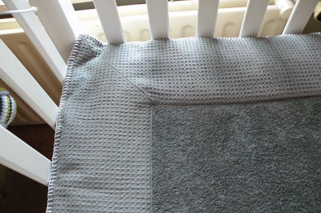 Just Skirts and Dresses: diy: playpen mat - boxkleed Koeka 'Amsterdam' knock-off
