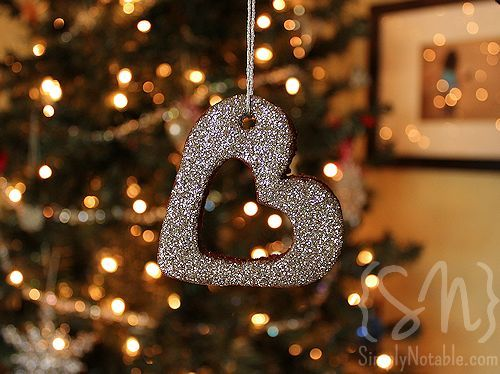 Who doesn't love a fragrant keepsake ornament made with small hands and lots of love?! This is a very fun project to do at home with the kidos if you have the patience for a little mess!