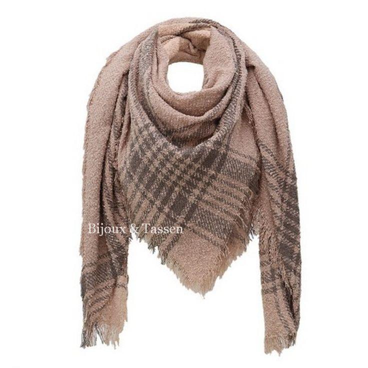 Sjaal/ omslagdoek zalm ruit
