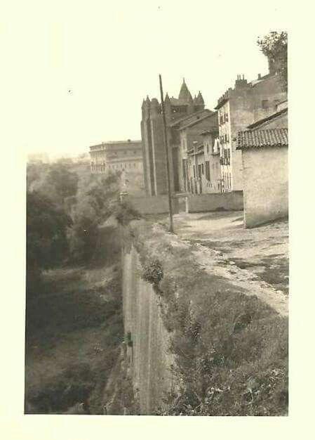 Ronda Barbazana, detrás de la Catedral. Pamplona.