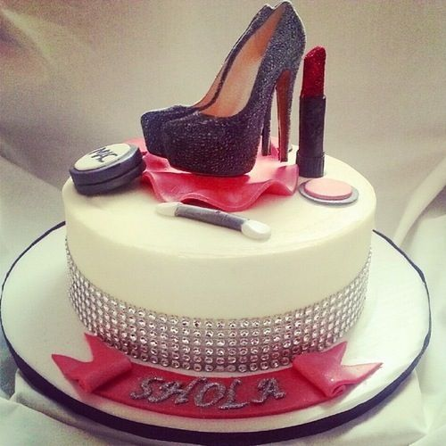 Red bottoms lipstick cake Forever 18 Pinterest Posts ...