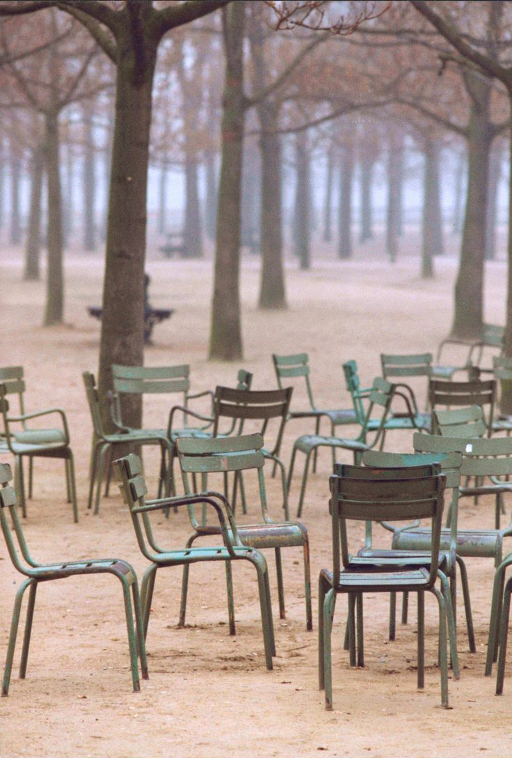 the best GREEN there is: the chairs of parc luxembourg.