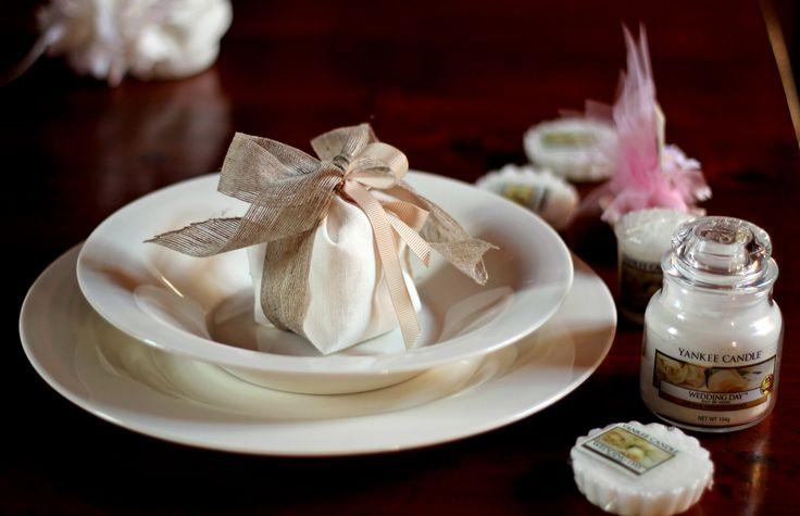 Segna posto o bomboniera. Cosa preferisci? #yankeecandle #bomboniere #weddingday