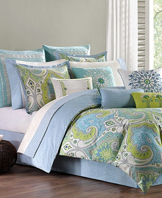 I love this bed set and we wouldn't have to repaint. :)