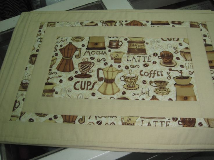 Mantells individuals de patchwork amb motius de cafè | Manteles individuales de patchwork con motivos de café | Indivudual patchwork table cloth with caffee theme