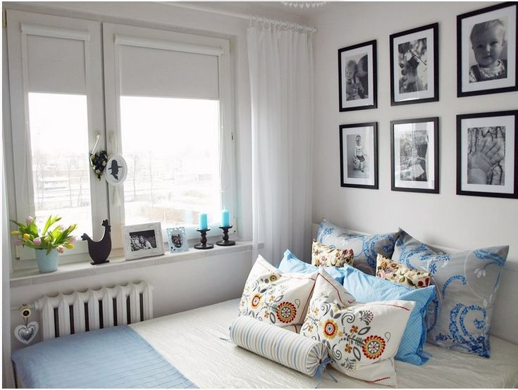 Small bedroom with a blue touch