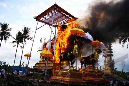 ngaben (cremation ceremony)