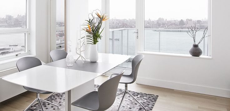Boconcept Milano Expanding Dining Table And Adelaide