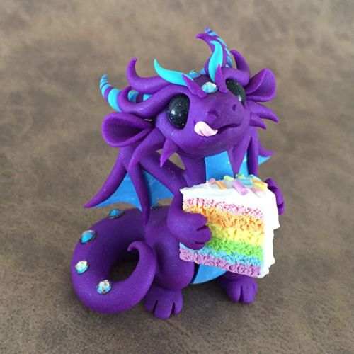 Rainbow-Cake-Dragon-Sculpture-by-Dragons-and-Beasties