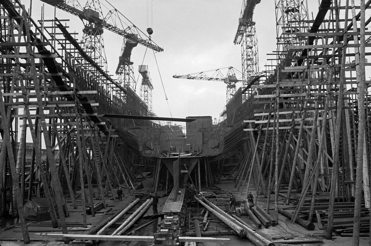 NORTHERN IRELAND. 1958.  Shipbuilding Harland and Wolff by Erich Lessing