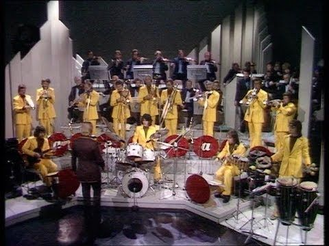 James Last Live At The BBC TV Studios, London 1976 - YouTube
