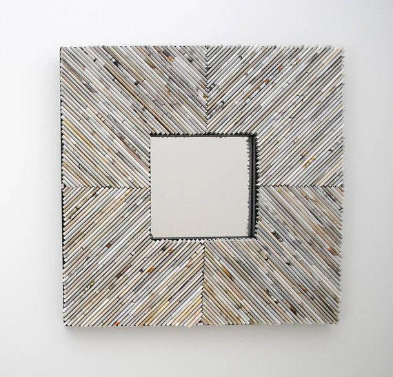 CHEVRON espejo blanco cuadrado  de revistas recicladas