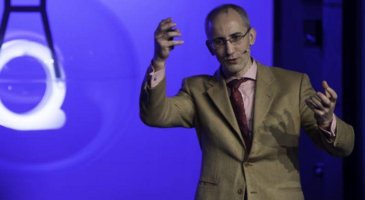 Dr Bruno Donatini L'impact de la flore digestive sur la dépression S'il confirme l'analyse de sa confrère sur le fait que de plus en plus de données indiquent que la flore digestive interfère avec le système nerveux central et que ses altérations peuvent influencer les comportements, le Dr Bruno Donatini, gastro-entérologue, hépatologue, cancérologue et immunologue, diplômé d'ostéopathie, apporte une vision complémentaire sur les traitements. (s'inscrire (gratis) pour visionner la…
