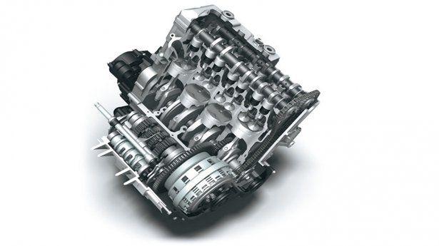 Двигатель Suzuki GSX-R 750 K7 в разборе