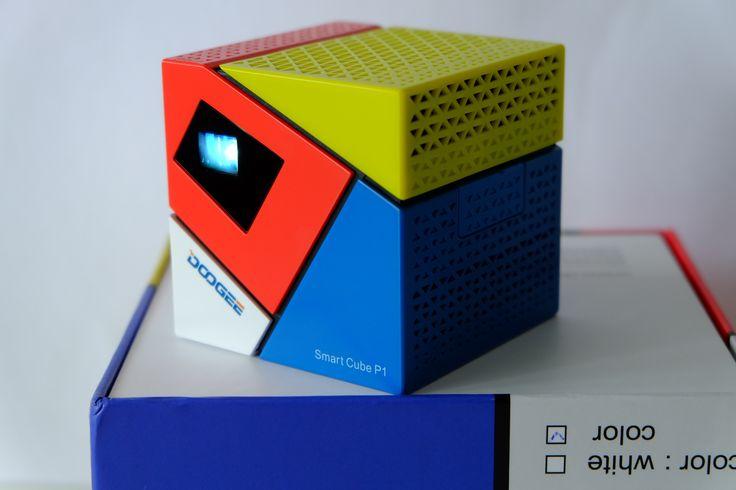 Erstklassiger Mini-Beamer /Projektor. Der Dooge P1 im Test. Fitt machen für die EM! http://www.nerdytesting.de/doogee-p1-test/